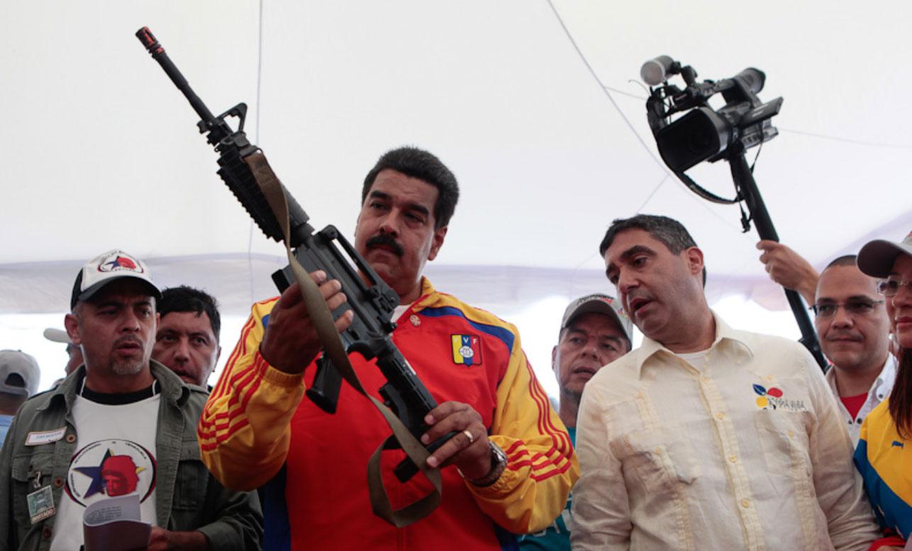 De acuerdo con denuncias rusas, el gobierno de Estados Unidos está obstruyendo el montaje de una fábrica de municiones y fusiles de asalto Kalashnikov (AK-47) en Venezuela, por las sanciones impuestas al gobierno del presidente Nicolás Maduro.